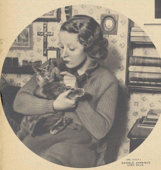 Danielle Darrieux (Pour Vous 01.11.1934)