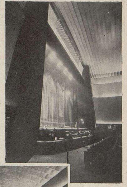 La scène du Gaumont-Palace, vue de côté