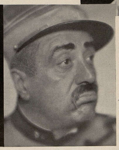 Raimu dans Les Gaietés de l'escadron(Cinémagazine 1932)